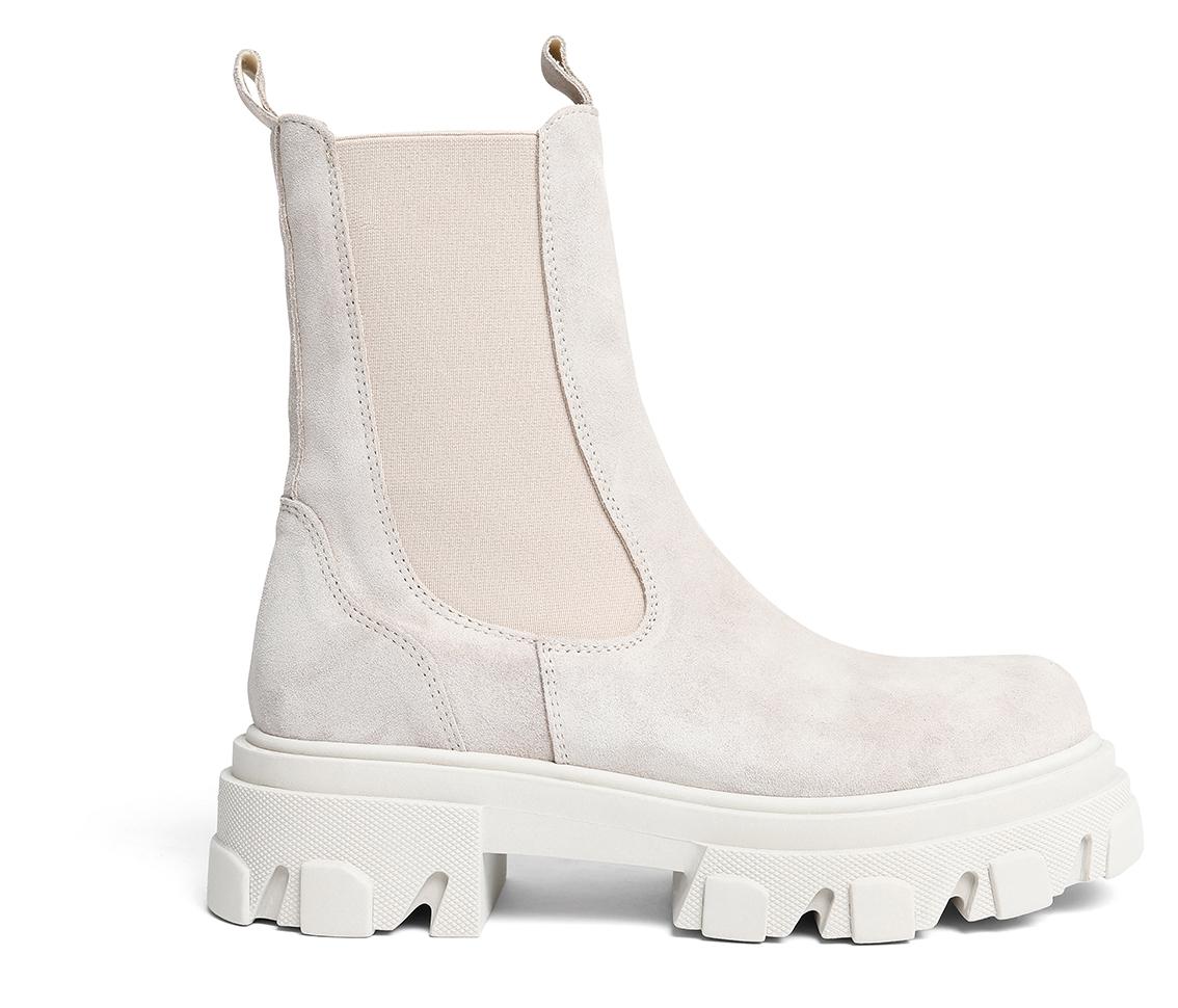 Schuh9